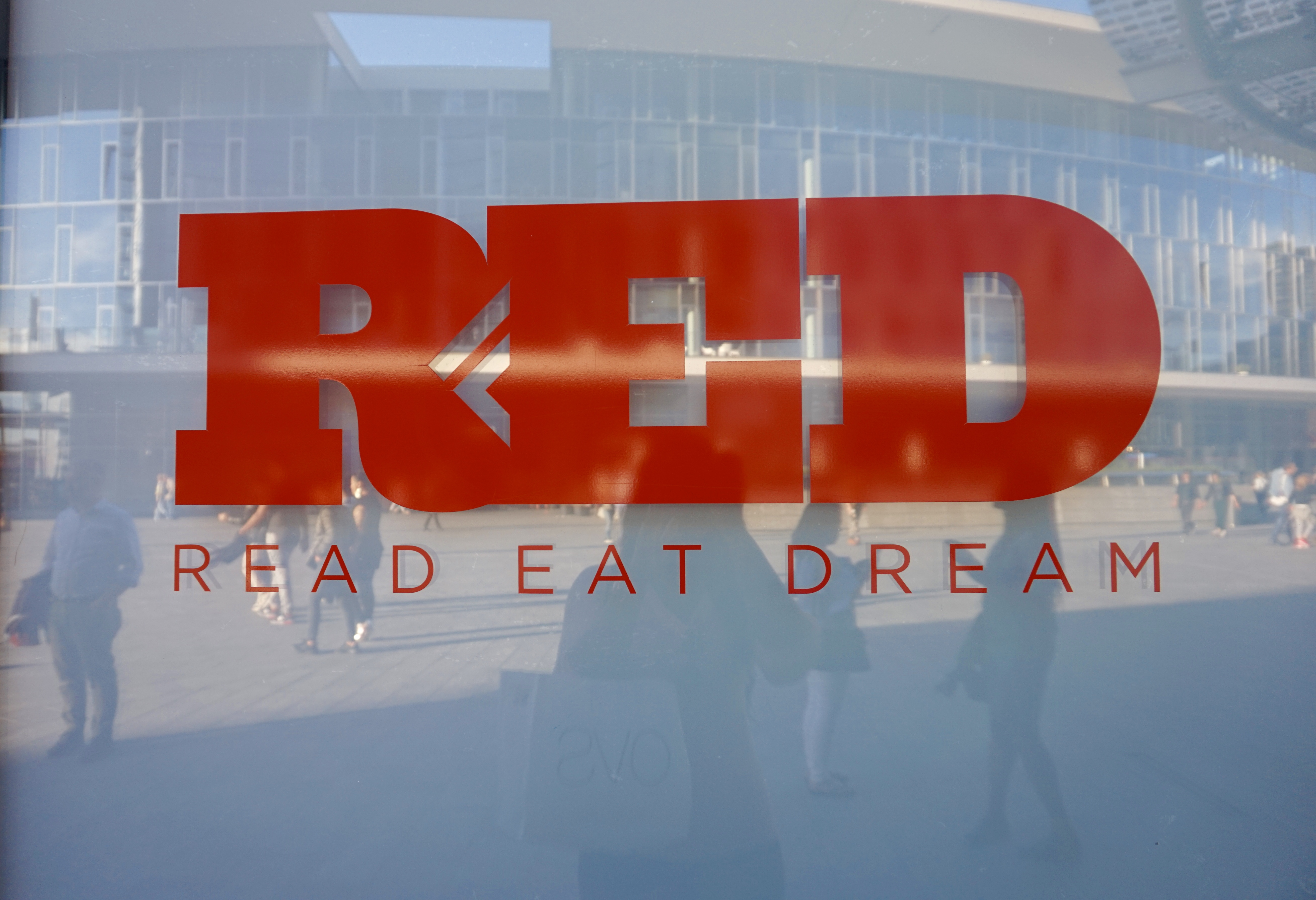 raychel-says-travel-red-read-eat-dream-milan-2017-images