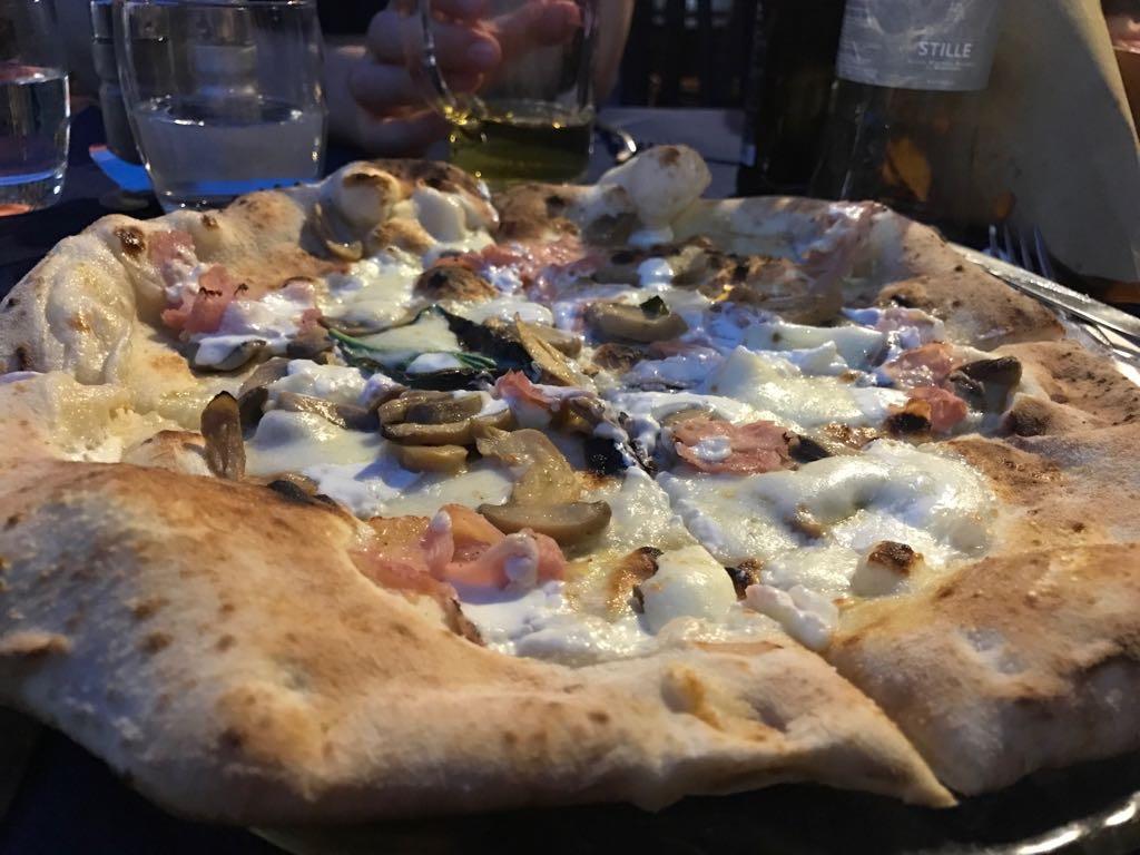raychel-says-travel-pizza-milan-2017-images