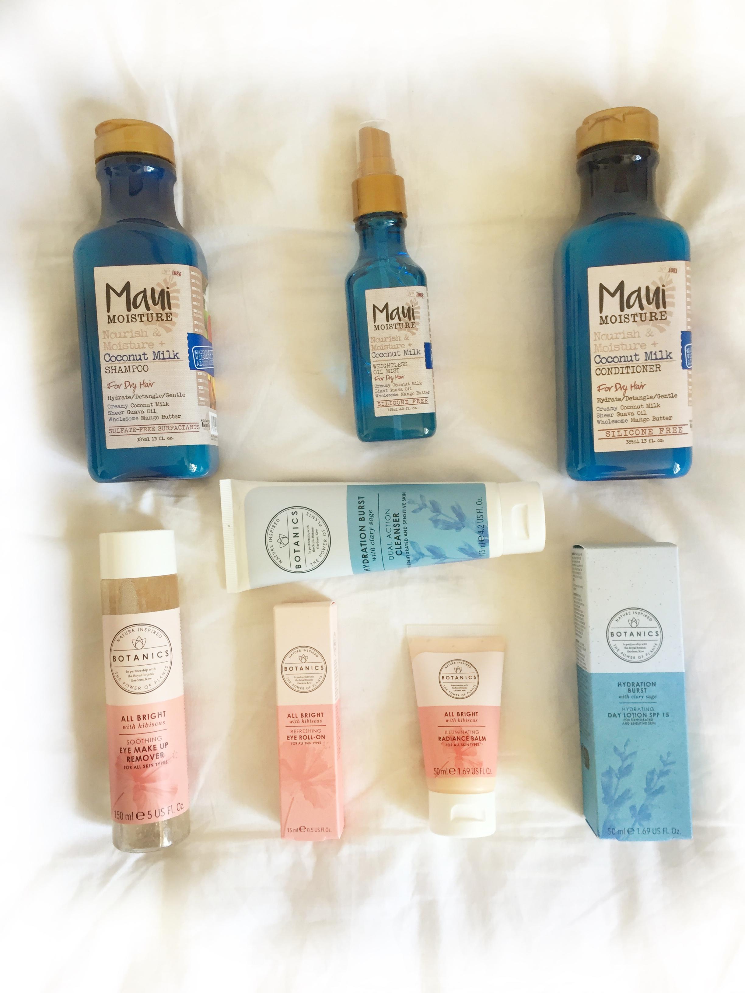 raychel-says-blue-pink-white-sheet-botanics-maui-moiusture-giveaway