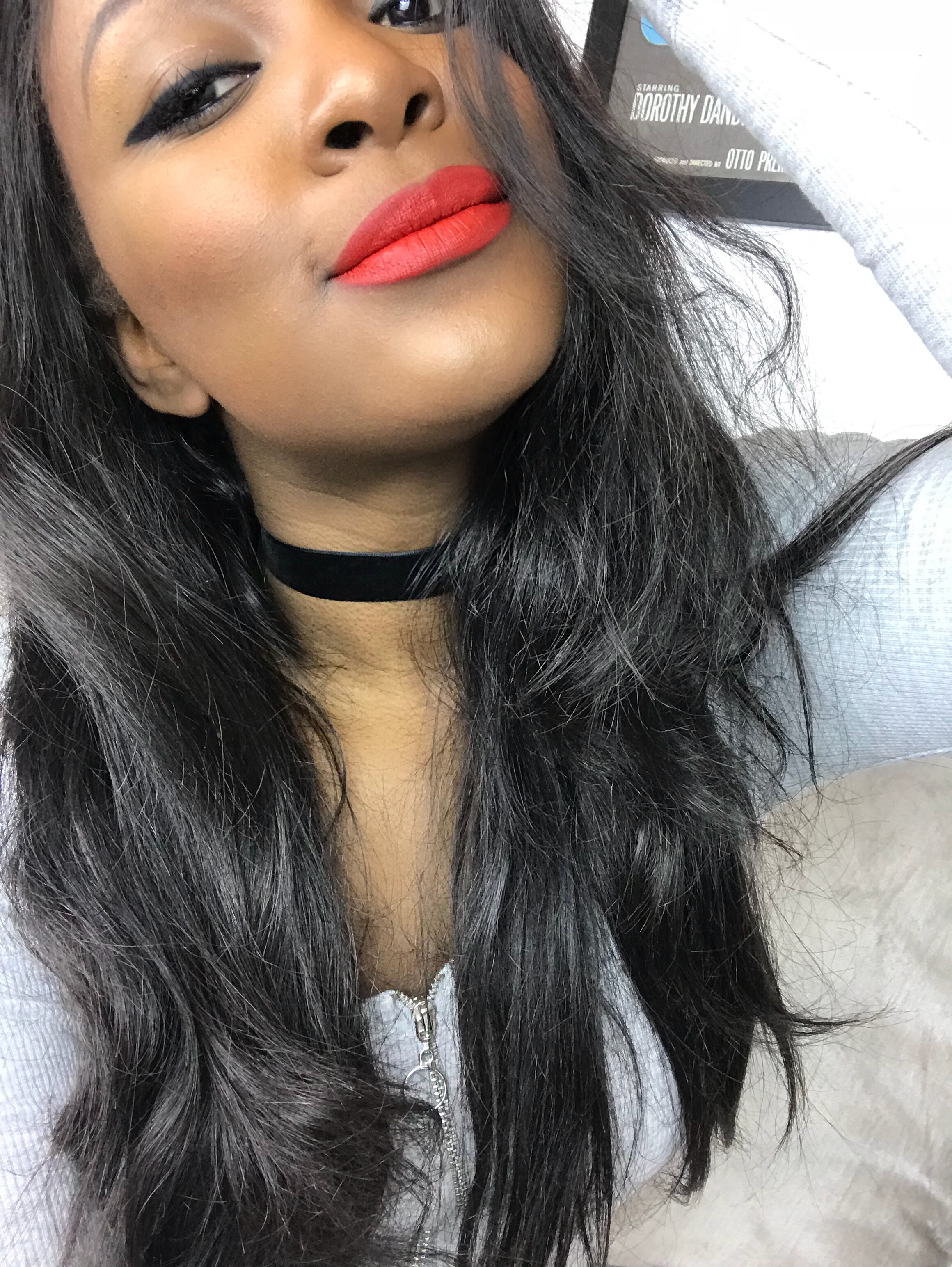 raychel-says-red-lips-uncensored-stunna-lip-paint-fenty-beauty-grey-top-black-hair