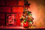 red-lights-christmas-tree-picture-gold-star